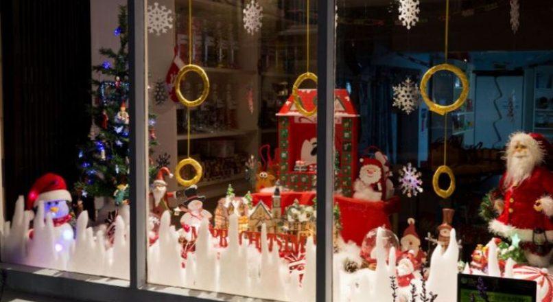 Como decorar a vitrine da sua loja para o Natal