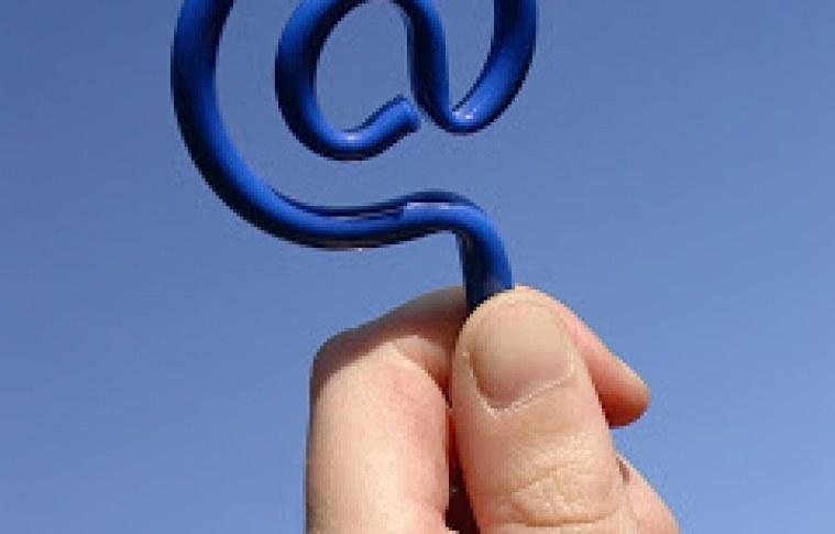 Começe o ano com o pé direito: divulgue nas redes sociais