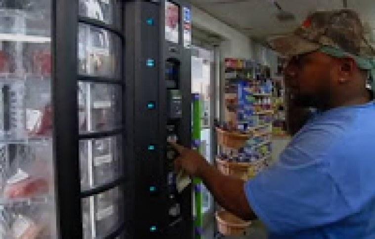 """Máquina de vender carne ganha o nome de """"Açougueiro Inteligente"""" nos EUA"""