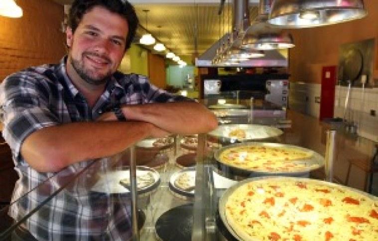 Jovem empresário compra pizzaria e transforma negócio em rede com faturamento de R$ 3,3 mi