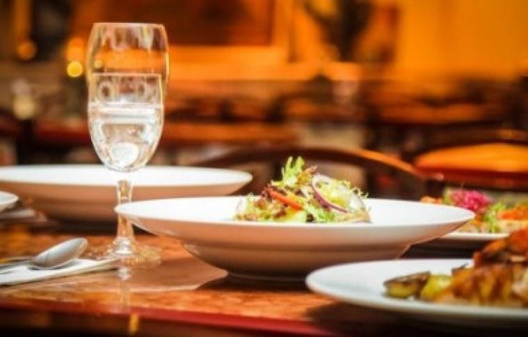 Como investir em restaurantes?