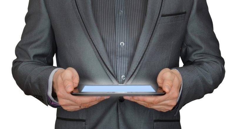 Tecnologia é a aposta das empresas para atender clientes nos momentos difíceis