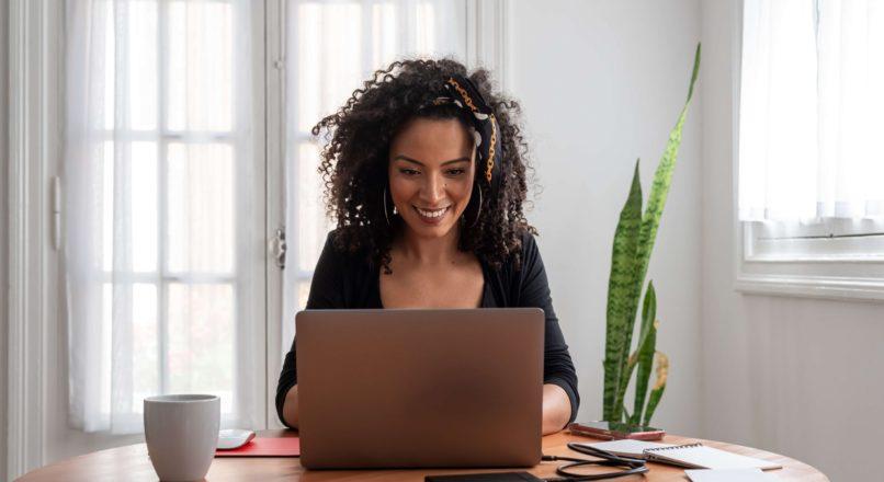 Conheça as vantagens de desvantagens do home office