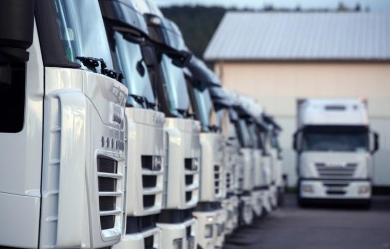O que fez a produção de veículos pesados aumentar 7,3% em agosto?