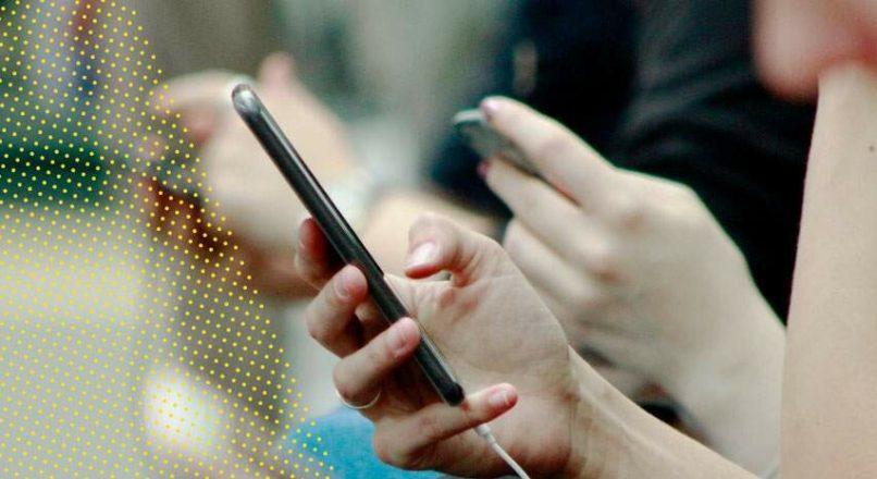 Controle de ponto móvel: veja como aumentar a produtividade e a economia da sua empresa