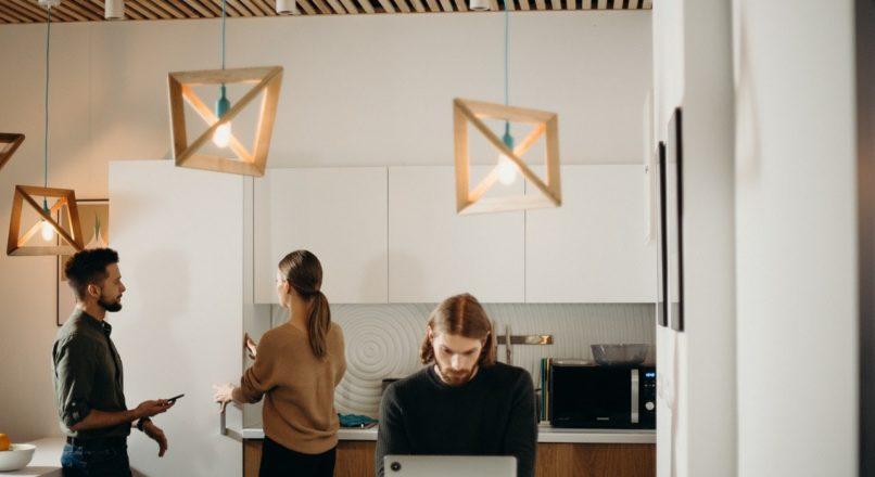 Trabalho remoto e home office: quais as diferenças e qual modelo escolher