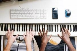 Aula de teclado para iniciantes – Benefícios do aprendizado online