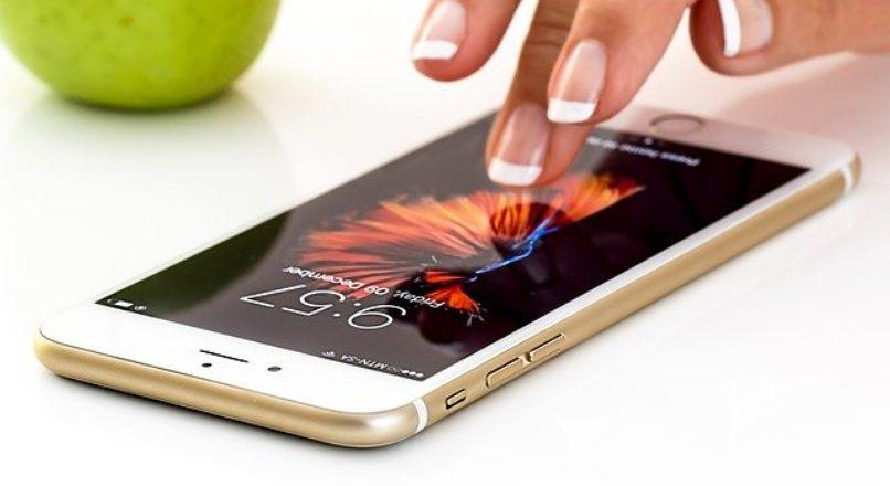 Como iniciar um negócio de manutenção em celulares?