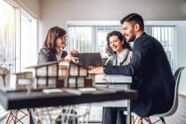 Como abrir uma empresa imobiliária sem dor de cabeça?
