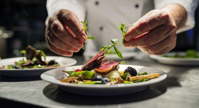 Culinária como fonte de renda: o que é preciso para começar o seu negócio