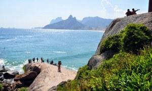 Turismo pós-pandemia RJ: quais os destinos gratuitos para fortalecer o consumo local?