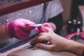 O que preciso para ser manicure? Tire suas dúvidas agora!