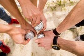 Que Tal Beber Sua Cerveja Geladinha e de Quebra com sua Marca?