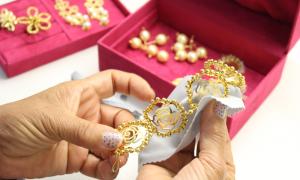 Como abrir uma loja de semi-joias e bijuterias