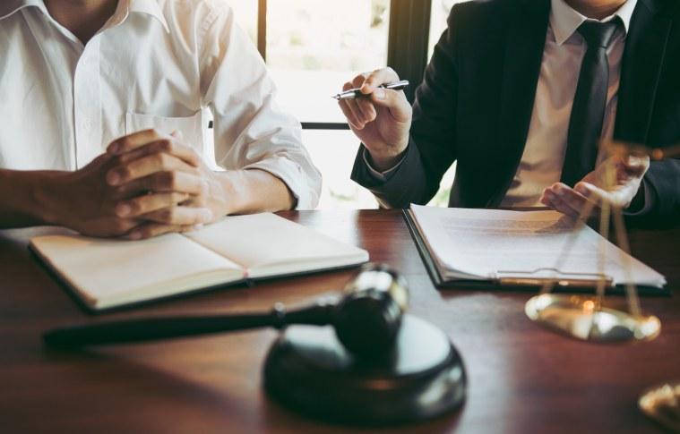 As empresas podem se beneficiar de diversas formas contando com uma assessoria jurídica