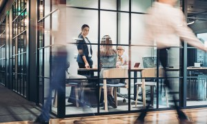 Lei limita casos em que funcionários públicos podem desempenhar atividade empresarial